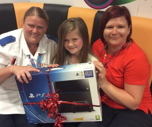 Sapphire Wroe Donates Prize