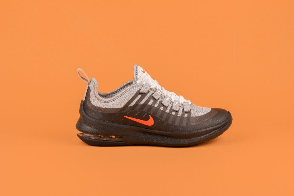 free shipping 4e21f 72ad7 Your Ultimate Guide to Nike Shoes – All of Your Questions Answered