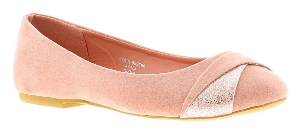 Ballet flats are a shoe that masters versatility! Slip on with a casual or formal outfit for instant fashion points.