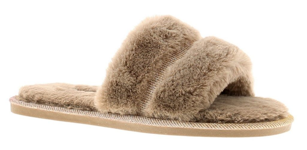 Make sure some luxurious slippers are at the forefront of your capsule collection!